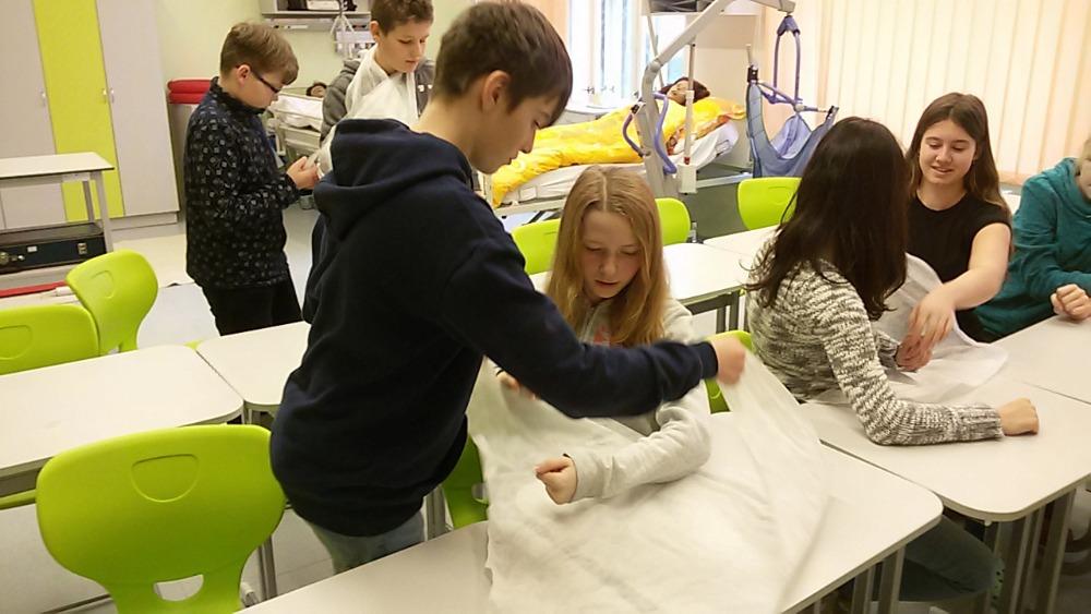 Exkurze 8. třídy na Střední zdravotnickou školu v Trutnově